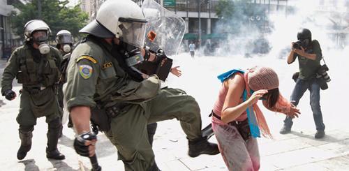 2012-07-03greecepoliceviolence